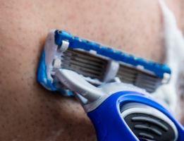 5 Schritte perfekte Glatze rasieren